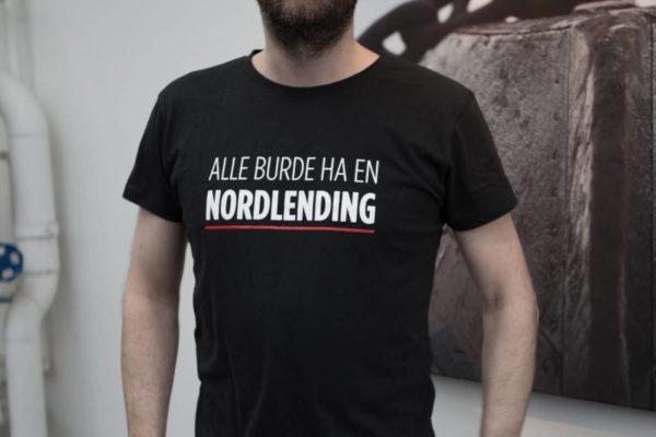 Alle-burde-ha-en-nordlending-tskjorte-black