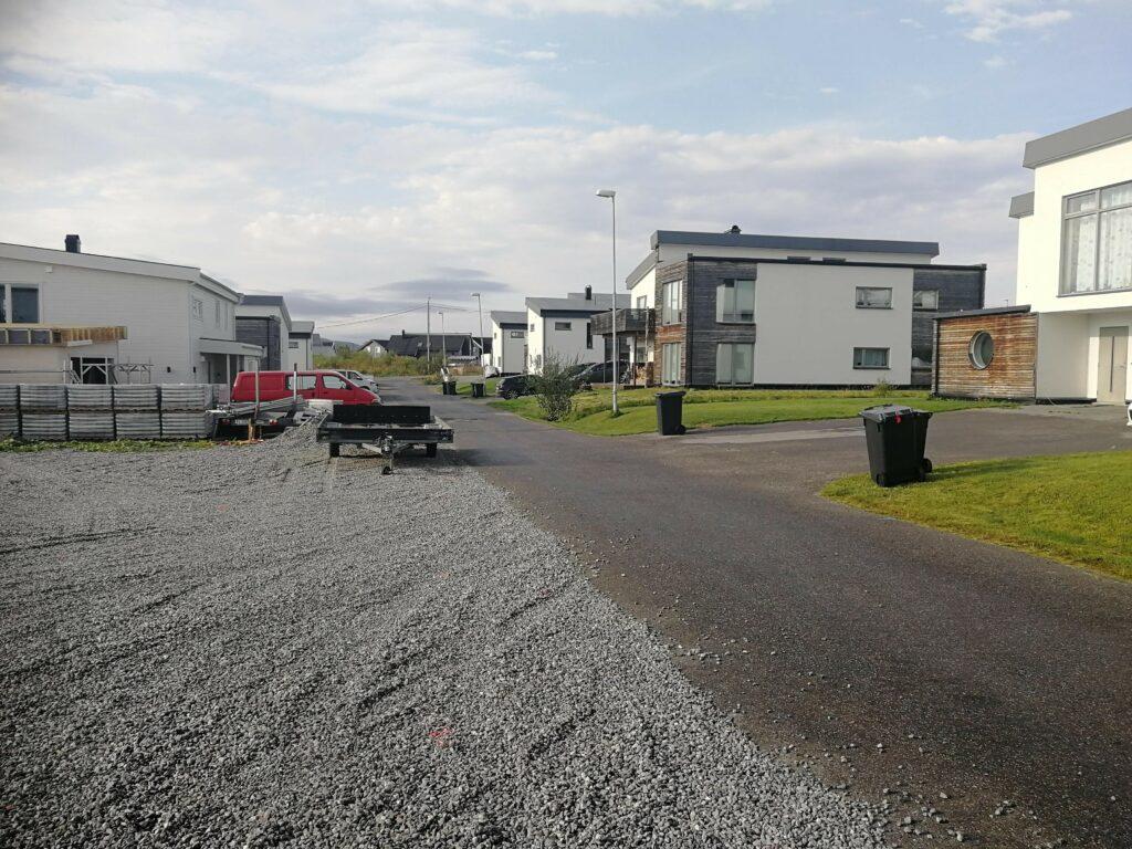 Signal og Altibox bygger fiber i Sikdalsveien på Sandnes i Sør-Varanger