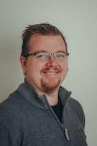 Tom Nikolaisen i Senjanett gleder seg over nye, spennende tider i Signal Bredbånd AS