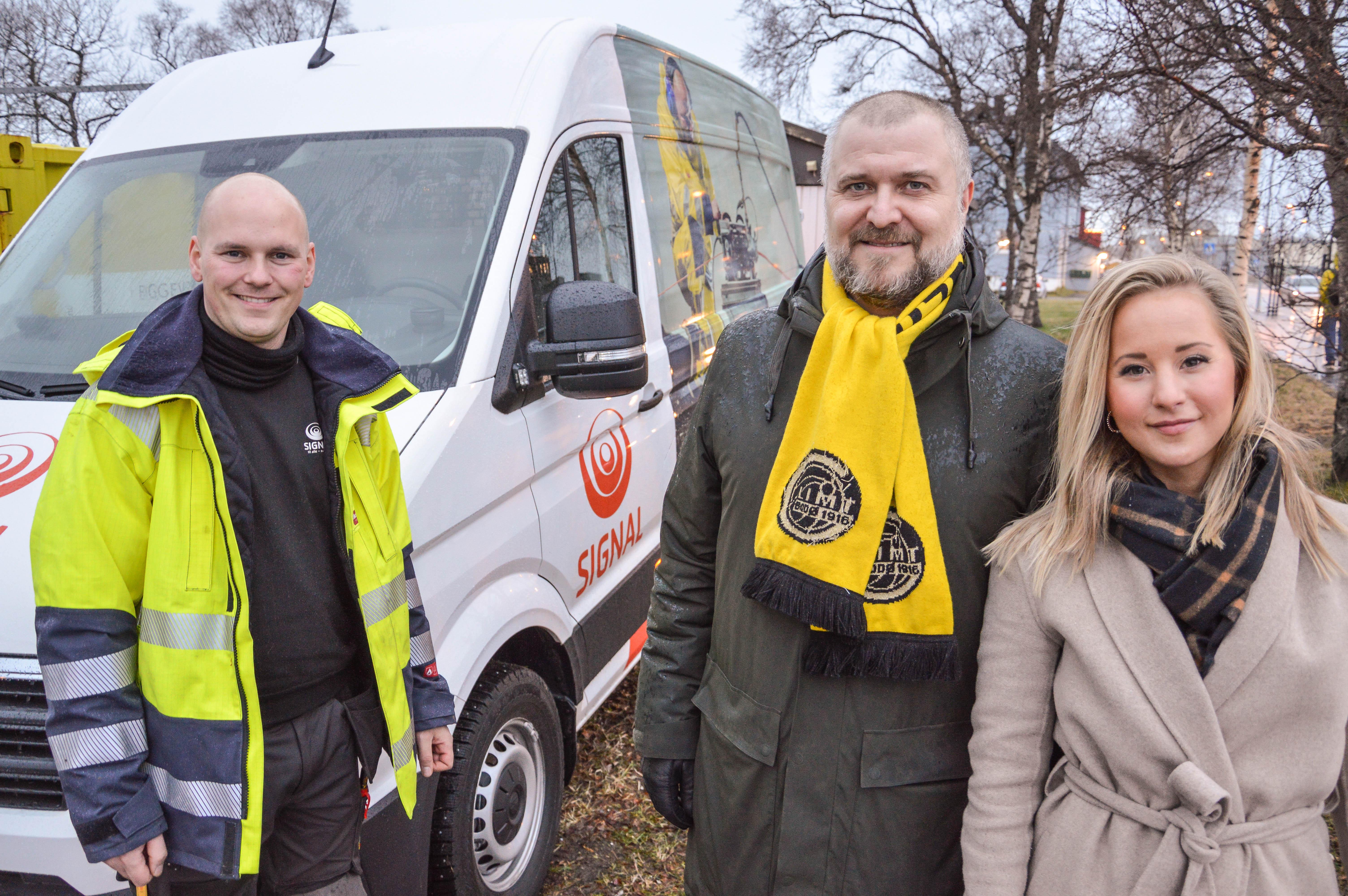 Montør Lars Ove, salgssjef bedrift Morten Stein og leder for markedsstøtte og samfunnskontakt, Stine Værang